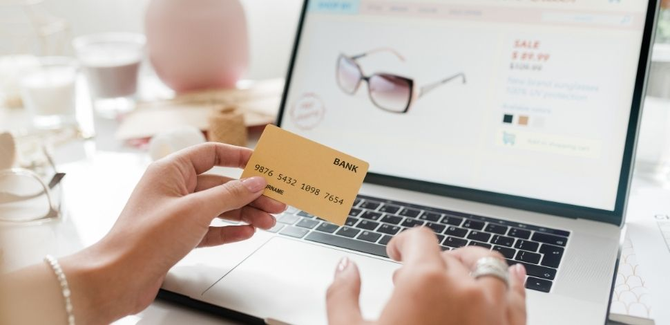 online shopping with PIM-backed store